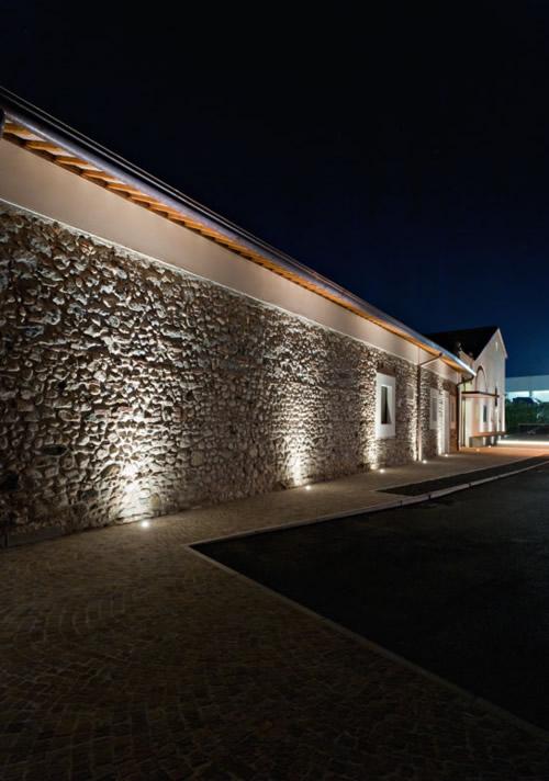 Il segreto per illuminare correttamente una parete in for Fari led per interni