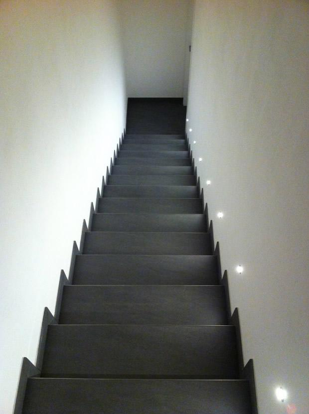 Vuoi sapere come illumino le scale dei miei clienti in for Arredare pianerottolo scale